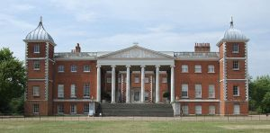 800px-Osterley_Park_House,_London-25June2009-rc