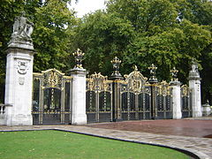 240px-Canada_Gate_-_Green_Park,_London_England