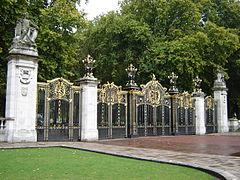 240px-Canada_Gate_-_Green_Park,_London_England