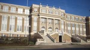 This is the former Huntington High School. Is it not a beautiful building? We were over 1600 strong in grades 10-12, with 543 in my graduating class.