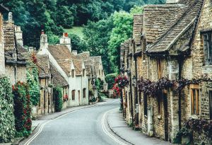 17 Of The Most Beautiful Villages To Visit In Britain! - Hand ... handluggageonly.co.uk