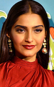 Sonam_Kapoor_at_the_Trailer_Launch_of_'Dolly_ki_Doli'