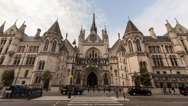 Royal_Courts_of_Justice_-_Wide_Angle_Front