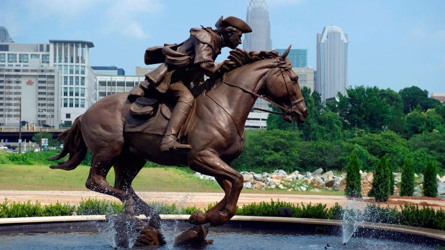 Captain-Jack-Statue-Charlotte