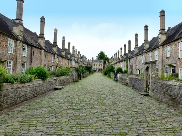 Wells_somerset_vicarsclose.jpg