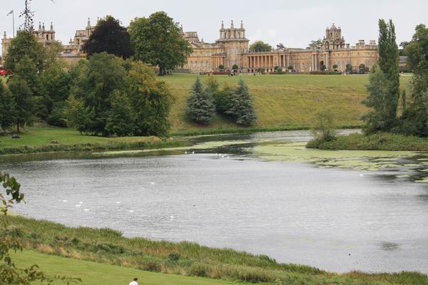 gardens-of-capability-brown-blenheim-palace-park-lake-6092929443_458e152185_o-1